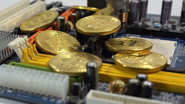 ビットコインはマイニングによって増える。ただしその数は有限